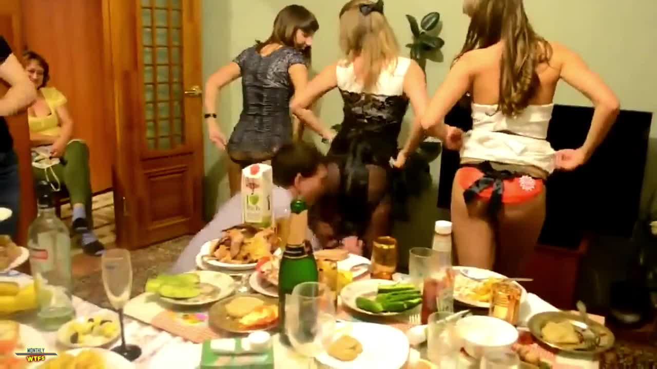 Секс на дискотеке в общаге, порно пересдача для зеленоглазой смотреть онлайн