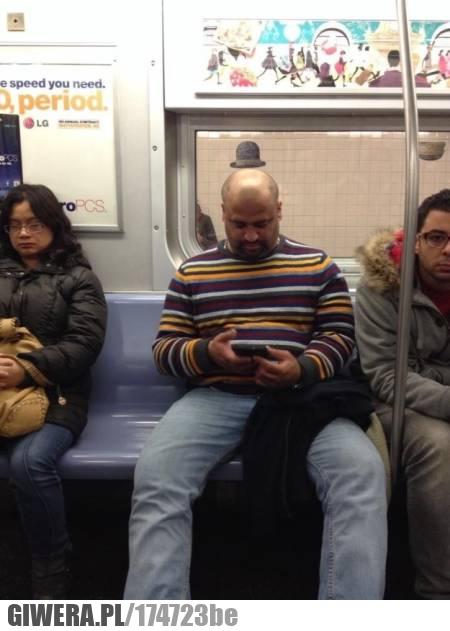 W Idealnym momencie,metro,czapka