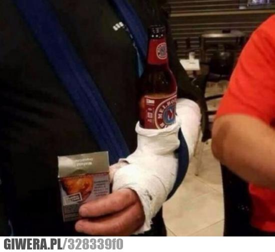 piwo,gips,złamana ręka