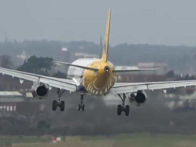 Nieudane próby lądowania samolotów