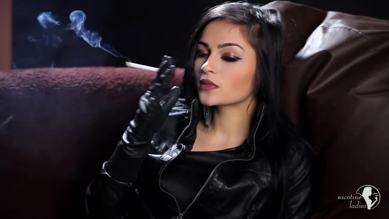 Fetish Girl In Leather Smoke That - Porn Photo-3956