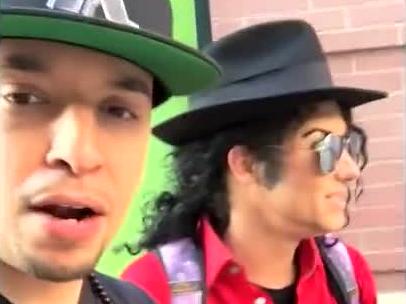 Michael Jackson żyje? Ciekawa uliczna improwizacja