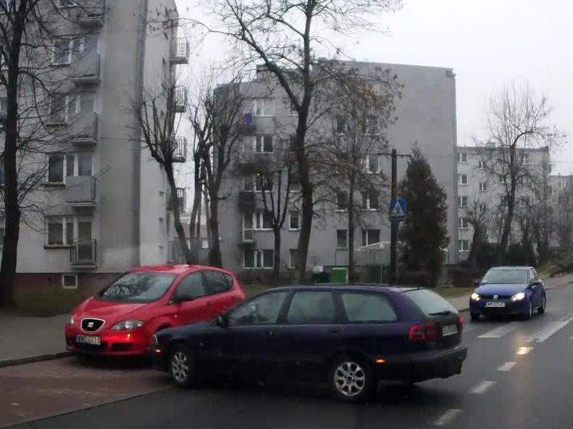 Idealnie zaparkowany samochód