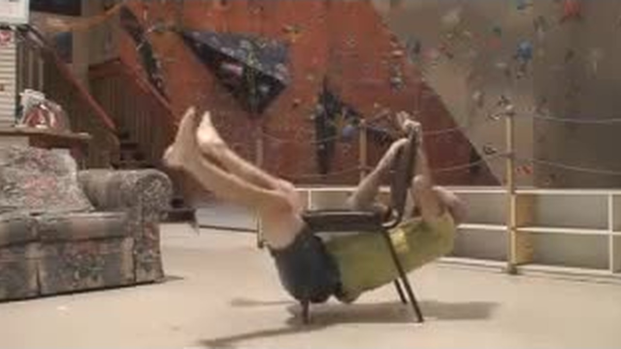 трахательный стул смотреть видео некрофелия