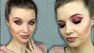 "Kochani,  zapraszam na tutorial smokey eye w kolorze czerwonego wina :) Piękny makijaż na każdą porę roku i dla każdego typu urody.  Enjoy! :*    ♡ Like and Subscribe ♡   Subskrybuj: http://bit.ly/PinkVixen  INSTAGRAM:  https://www.instagram.com/pinkvixenbeauty/  FACEBOOK: https://www.facebook.com/PinkVixBeauty    PRODUKTY  OCZY - baza pod cienie Sigma (kolor Persuade) - paletka Sleek ""Respect"" - pojedyńczy cień MAC (kolor Vanilla) - czarna kredka do oczu Urban Decay All Nighter - rozświetlacz Makeup Revolution (kolor Peach Lights)  TWARZ - podkład L'Oreal True Match (kolor Vanilla) - korektor Bourjois Healthy Mix - puder rozświetlający Annabelle Minerals - róż z palety Makeup Revolution, paleta Spice - rozświetlacz Makeup Revolution (kolor Peach Lights) - pomada do brwi z Inglota (nr 11)  USTA - konturówka Urban Decay (kolor Deep) - szminka MAC (kolor Velvet Teddy) - szminka Inglot (numer 263)     Music by Maxzwell ""Needs"""