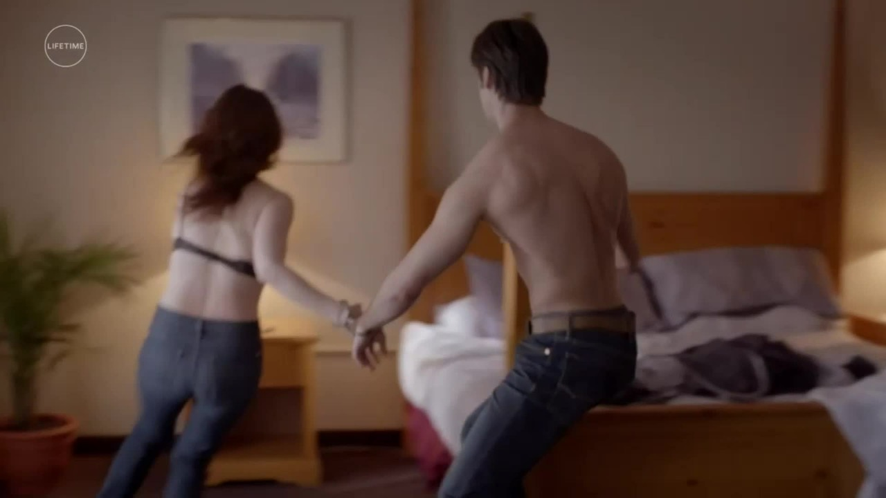 Prywatne dochodzenie (2017) [Lektor PL] - The Wrong Bed: Naked Pursuit